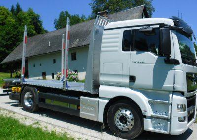 tovornjak z nadgradnjo go tehnika