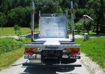 tovorno vozilo z nadgradnjo go tehnika